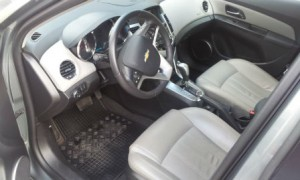 Chevrolet-Cruze-Automatic-Interior