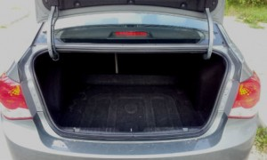 Chevrolet-Cruze-Automatic-Trunk