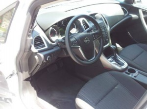 Opel-Astra-Automatic-Interior