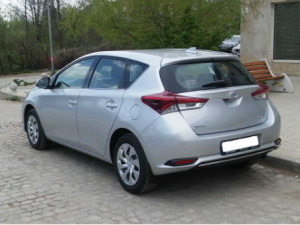 Toyota-Auris-Automatic-New-Back