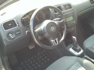 Volkswagen-Polo-New-Automatic-Interior