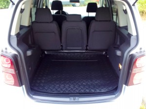 Volkswagen-Touran-Trunk