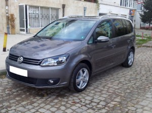 Volkswagen-Touran-automatic-New-Front