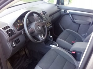 Volkswagen-Touran-automatic-New-Interior