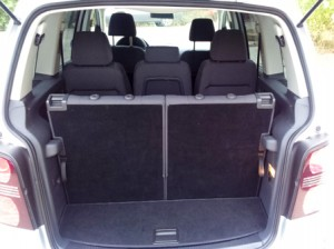 Volkswagen-Touran-automatic-New-Trunk