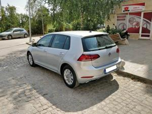 volkswagen-golf-2019-02